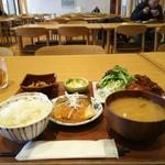 八海山みんなの社員食堂 - 日替わり定食(800円)