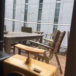 ミンガスコーヒー - テラス席