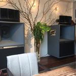 ミンガスコーヒー - 店内の音響システム