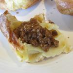 カフェ&レストラン グリーンテーブル - ポップオーバーに淡路牛のひき肉