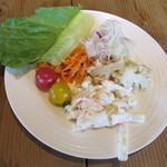 カフェ&レストラン グリーンテーブル - サラダ
