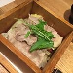 響 - 豚肉蒸篭蒸し