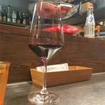 クインテット - 9時までカウンターバンコは300円の赤ワイン