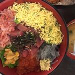 66598529 - 連れの魚河岸わいわい丼¥1560(税別)
