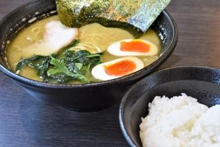 蔵前家 - ラーメン+味付玉子+ライス