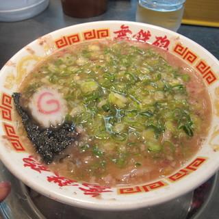 無鉄砲 - 料理写真:魚正油ラーメン750円 麺少なめネギ多め