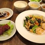 くろさわ東京菜 - 天然エビとキクラゲのたまご炒め