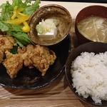 66602223 - カラアゲ定食(880円+税)