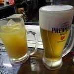 電光石火 駅前ひろば店 - 生ビールとオレンジジュース