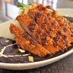 ぬーじボンボン メンデス - やんばる豚のカツ黒カレー