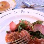 ポミエ - 料理写真:サーモンのサラダ