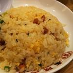 大阪王将 - 煮干しつけ麺(734円)に+320円で五目炒飯。