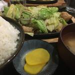 じゅうじゅう亭 - 料理写真:2017年5月5日  ホルモン鉄板1.5人前とごはんセット