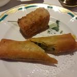 チャイナ 梅の花 - 大根餅と揚げ春巻き