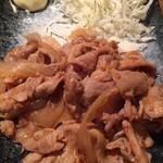 ろくまる 五元豚 - 生姜焼き