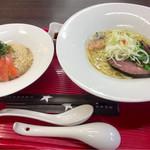 竹末道の駅本陣 - 料理写真:なかなかオシャレです