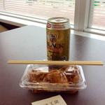 蛸焼工房 - 同一フロアにあるイートインスペースで食べてみた。