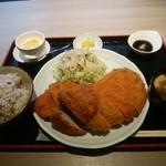 我那覇豚肉店 - 合盛りカツ定食 1300円