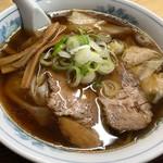 味龍 - ワンタン麺880円