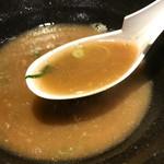 66621632 - クリーミー系とは違う、横浜家系らしいスープ。