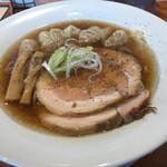 66622276 - 醤油ワンタン麺。チャーシュー追加。