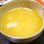 ネパール家庭料理 ホワイトヒマラヤ - ダル(ネパールの豆スープ)