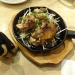とろ鮪 - 朝〆やんばる鶏の鉄板焼き