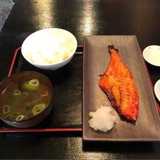 ガッツ - 赤魚のミリン干し定食。 税込600円。 美味し。