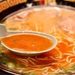 一蘭 - 秘伝のたれを溶かしたスープ