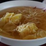 66627494 - 海老ワンタン入り 香港細麺のスープヌードル