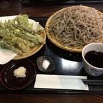 木挽庵 - 天然山菜天ぷら田舎そば 1200円