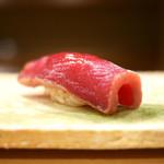 東麻布 天本 - 料理写真:鮪赤身漬け(沖縄230kg)