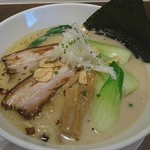 麺屋 奥右衛門 - 塩白湯麺