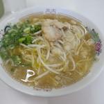 寿栄広食堂 - 中華そば 側面