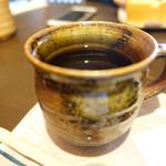 66636524 - コーヒー。信楽焼のカップで