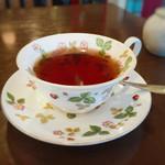 ティーサロンジークレフ - ニルギリシーズナル コークランダー農園 BOP かなりすっきりした味わい。 ストレートよりも何か加えた方が美味しい紅茶。