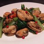 piccolo bar 117 - ムール貝と青菜のアンチョビ風味ソテー