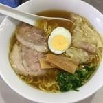 再来軒 - 醤油ワンタン麺(700)