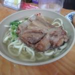きらく - 料理写真:ソーキそば 小(450円)