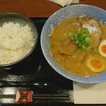 66639955 - 明神そば 醤油 太麺+味玉(さぬきコーチン)+ごはん大