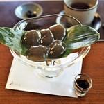 茶寮 宝泉 - わらび餅全景