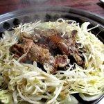 焼肉レストラン井東 - お肉も野菜もボリューム充分!