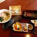 豆腐かふぇ 浦島 - 料理写真:自家製豆腐を使った玉手箱ランチです。月替わりでメニューが変わります。