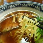 麺創房 玄 - 少し細めタイプのちじれ麺