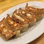 ちゃーしゅうや武蔵 エアポートウォーク名古屋店 - 焼き餃子