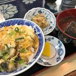 柿谷商店 - サザエ丼