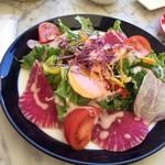 小谷流ベーカリー&カフェ - 季節のたっぷりサラダとスープのヘルシーセット 1180円(税別)