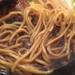 66658816 - 焦がし正油の麺