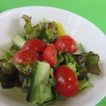 レストランポンム - サラダは野菜を使ったミニサラダです。