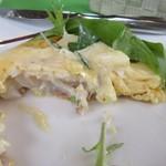 レストランポンム - 魚を玉子で包んでマヨネーズソースで味付してありました。